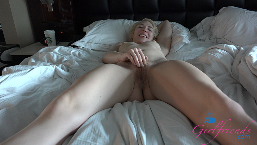 She takes a creampie on the last day in Vegas